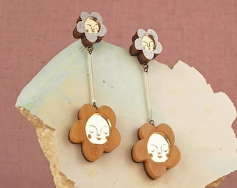 Sundays Bloom Stem flower drop earrings - Caramel / Gold