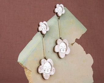 Sundays Bloom Stem flower drop earrings - Pearl / Silver