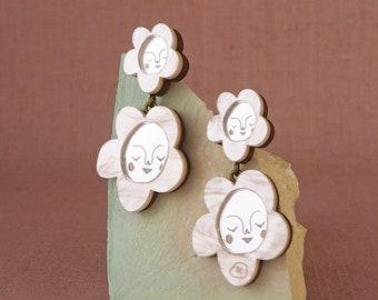 Sundays Bloom Mini Cluster flower earrings - Pearl / Silver