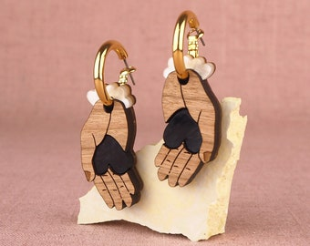 Forlorna Heart in Hand gold hoop earrings - Cherry / Black