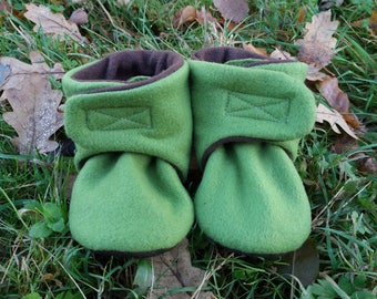 Warm baby booties, slippers, pram boots, pram shoes for winter, stay on slippers