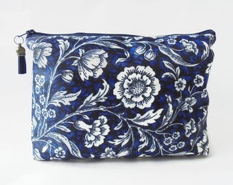 67941272789f5c Navy cosmetic bag