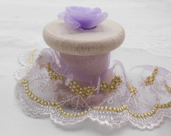 a33500492 Jolie dentelle lilas or et blanc