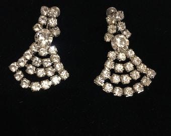 VINTAGE Glam rhinestone crystal silver tone chandelier earrings