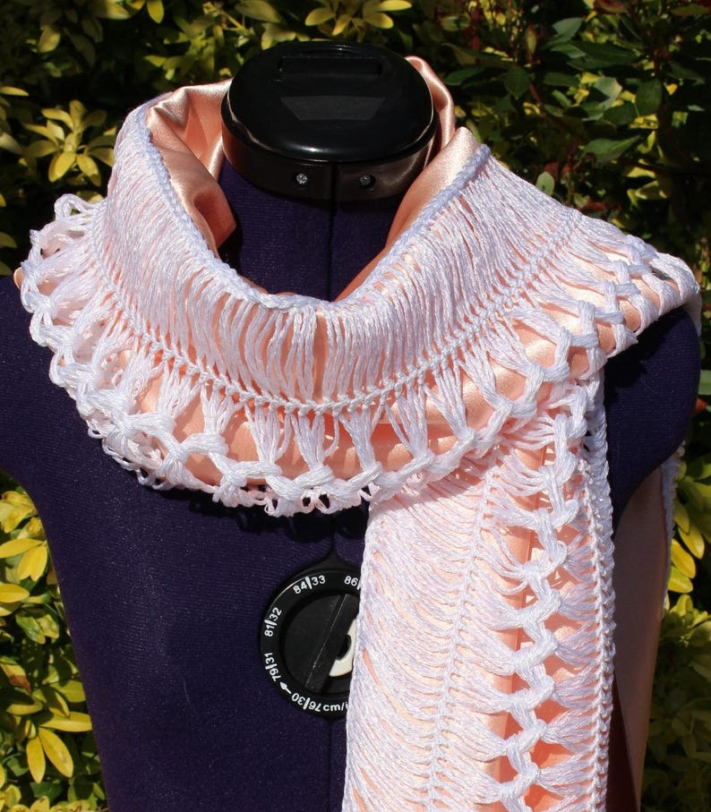 d82542b05e5 Foulard femme écharpe bijou tour de cou tissu satin pêche