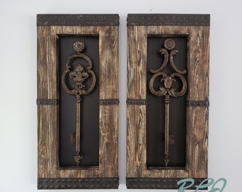 Rustic Old World Vintage Style Wood Metal Set/2 Antique Keys Wall Panel  Plaque Home Decor