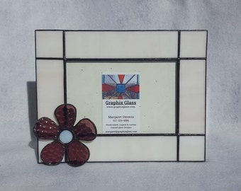 Horizontal 4x6 stained glass picture frame with 3D flower-This photo frame is perfect in any home as a keepsake for memories.