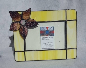 Yellow 3D flower horizontal 4x6 stained glass picture frame-This photo frame is perfect in any home as a keepsake to preserve your memories.
