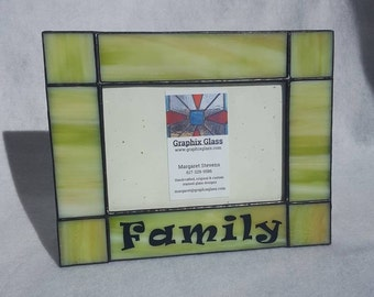 """4x6 Green """"Family"""" horizontal stained glass picture frame-photo frame is perfect in any home as a keepsake to preserve your memories."""