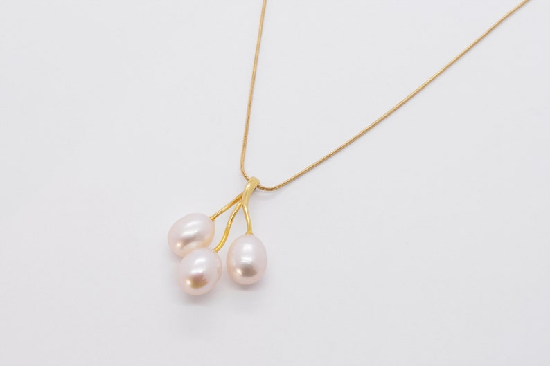 14k Yellow Gold Freshwater Pearl Pendant Oval Freshwater Pearls Freshwater Pearl Oval Pearl Three Pearl Necklace Oval Pearl Pendant