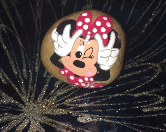Painted rocks, hand painted rock, painted rock, gifts under 50, Disney rocks, painted Disney rocks, hand painted Minnie, Minnie Mouse