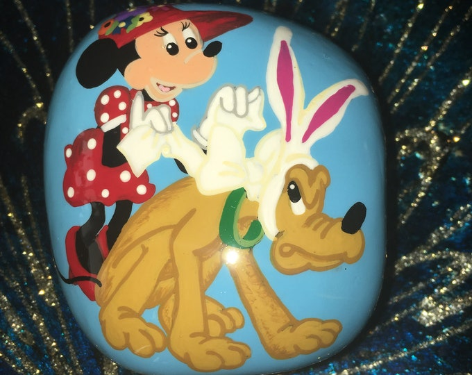 Hand painted Minnie and Pluto, gifts Under 50, Painted rocks