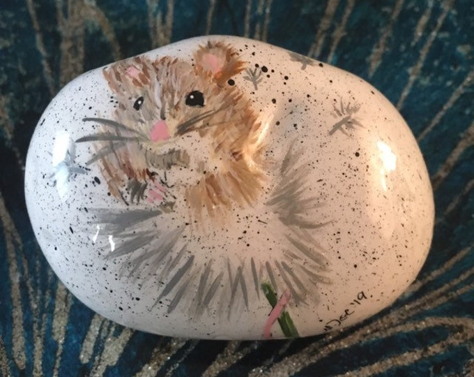 Hand painted mouse, gifts under 50, painted rocks