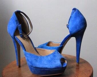 5b632387e11 Blue Aldo peep-toe pumps