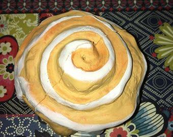 Cinnamon bun NO DEFECTS