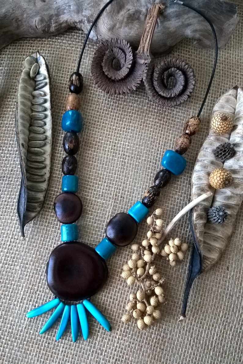 Ethnic necklace in tropical seeds and Tagua seeds