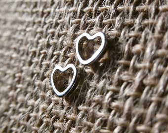 Small silver finish heart earrings / / geometric earrings / / modern earrings / / for her