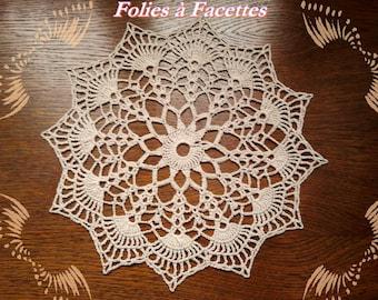 Crocheted case in ecru cotton, mandala style doily, decoration, dream catcher