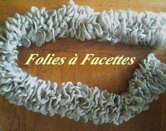 fashion accessory: romantic Brown ruffle scarf