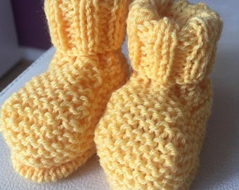 Newborn - 3 months knitted apricot hand knitted baby booties