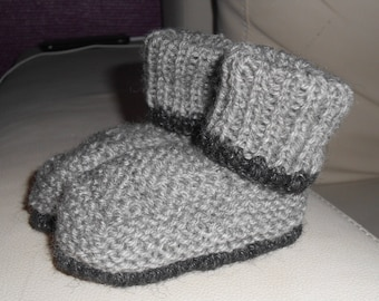6 month baby booties knitted style light grey and black boots