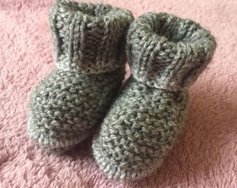 Birth - 3 months light grey hand knitted baby booties