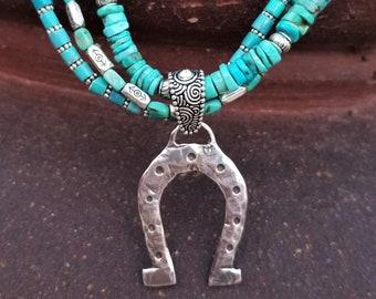 """18""""  Royal Beauty Turquoise Horseshoe Necklace"""