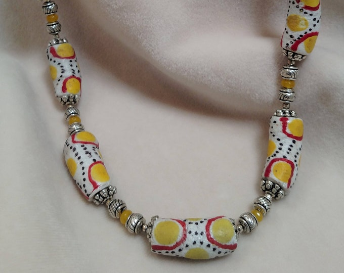 "Hand-Painted African Bone Beaded 19"" Choker"