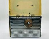 Vintage 1950 s RCA Portable Radio, Vintage Picnic Radio, RCA radios, Collectible Radios, Vintage Radios