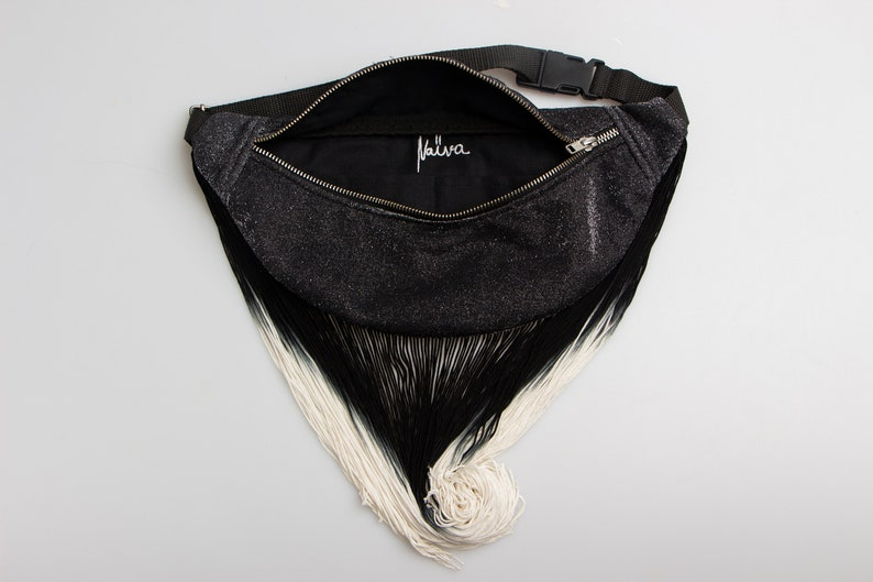 Knitwear Funnypack with Fringe for Women Black/&White Party Bumbag
