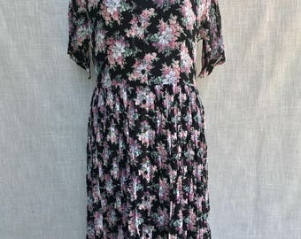Vintage 90s Nostalgia Women's Maxi Dress Grunge Crinkle Rayon Black Floral - Sz M