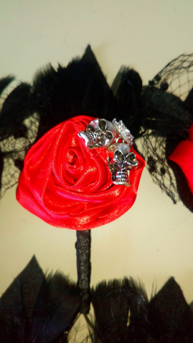 Skull Buttonhole Skull Corsage Skull Pin Red Boutonierre Goth Corsage Alternative Wedding Accessory Wedding Keepsake Halloween Eclectic