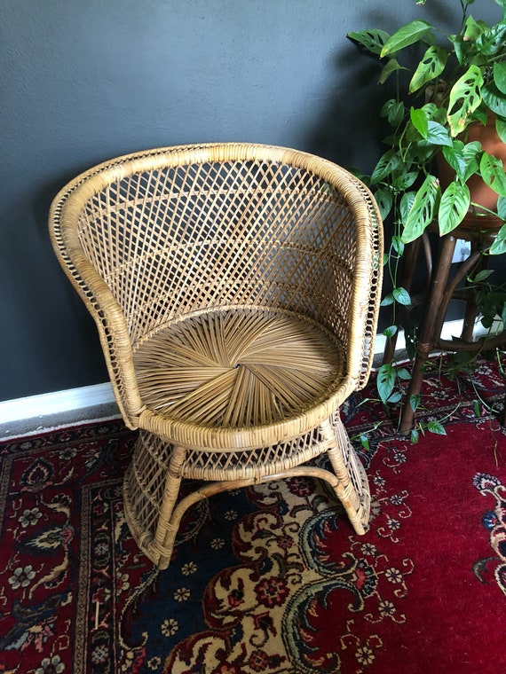 Superb Vintage Wicker Dining Chair Ocoug Best Dining Table And Chair Ideas Images Ocougorg