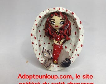 Shell pendant coconut little Red Riding Hood and her Wolf