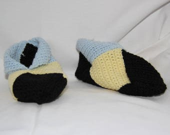 Black, pale yellow, blue woolen slippers crocheted pale size 33-34
