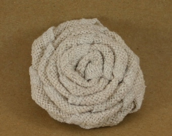Natural, simple and chic silk flower brooch