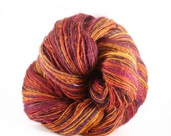 """Spinning wheel """"Giroflet"""" hand spun wool"""