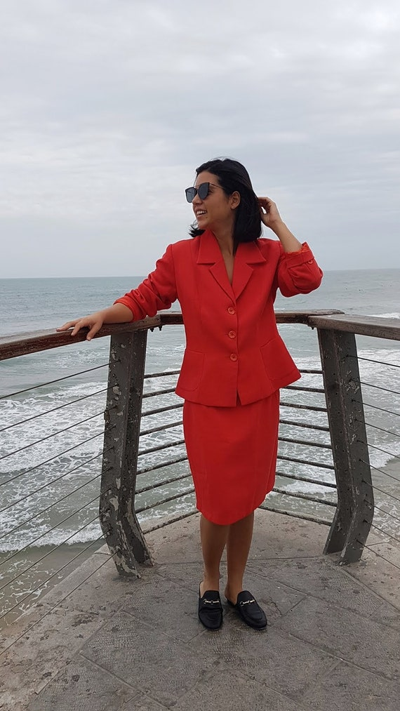 Red suit, Womens skirtsuit, Elegant Coat and skirt