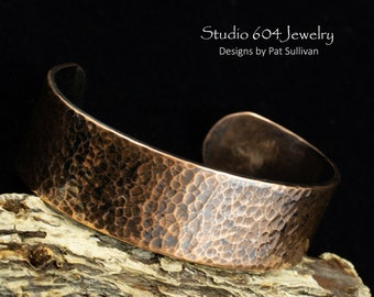 Hammered Copper Bracelet - B722
