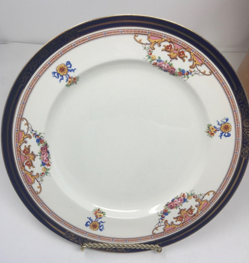 Vintage Alfred Meakin England Scalloped Semi-Porcelain White and Gold Set of FOUR Dinner Plates Dining & Serving Plates