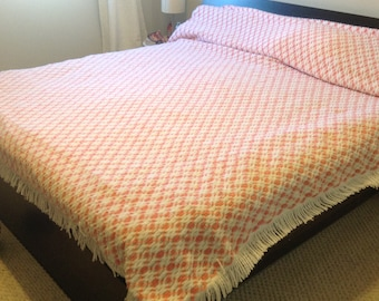 Vintage pink square king size chenille bedspread cover fringed