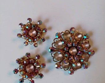 1950s rosy frosted glass and pink AB crystal demi parure, brooch and clip on earrings