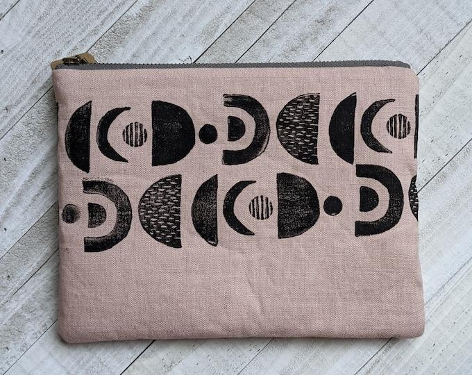 Planetary Alignment Large Flat Zip Pouch - Blush