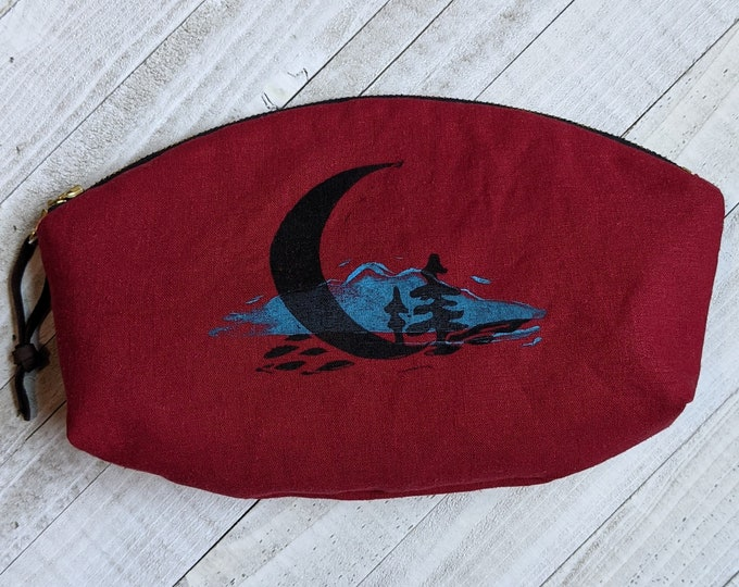 Crescent Moon Mountains Large Mouth Zip Pouch - Rouge