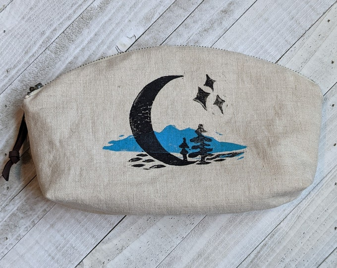 Crescent Moon Mountains Large Mouth Zip Pouch - Natural