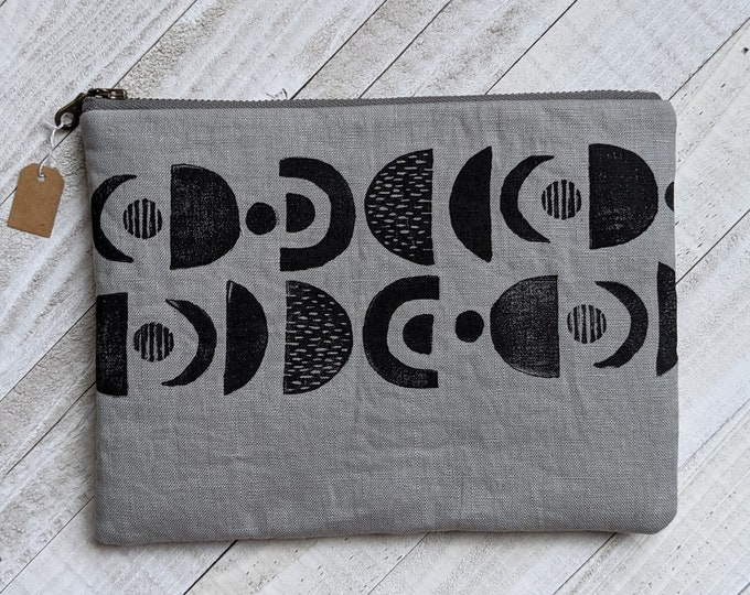 Planetary Alignment Large Flat Zip Pouch - Gray