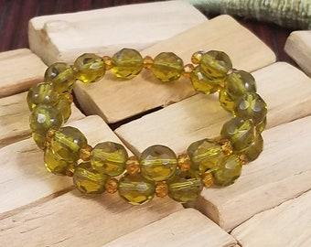 Beautiful Green & Gold Bracelet (Memory Wire)