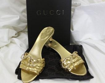 0b23b80c8de4 Gucci Gold Pep Toe Kitten Heels