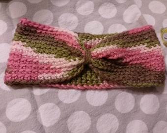 Baby crochet headbands. Fits newborn-12 months.