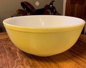 Pyrex 404 Primary Color Yellow Mixing Bowl 4 QT, 1940s Pyrex